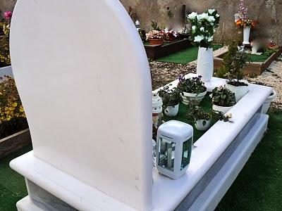 Tomba in Bianco Taxos e Azul Macaubas